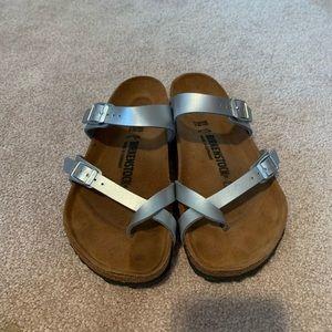 Birkenstock size 39 R Sandal silver Mayari